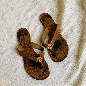 Tory Burch size 9 Brown Leather flip flops THORA